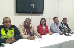 Conferencia de prensa por éxodo en fiestas patrias.