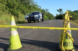 Los cadáveres  fueron encontrados en la carretera nacional hacia el distrito de Las Palmas. Foto: Melquíades Vásquez.