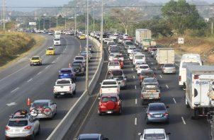 La inversión de carriles dará inició a las 12:00 m.d, y culminará a las 6:00 p.m.