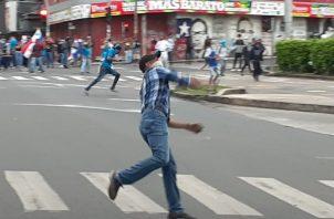 Las protestas contras reformas constitucionales, en los últimos días, han terminado en disturbios.
