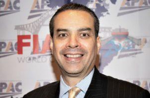 Edgar Urrutia, activo profesional del mundo de la logística y gerente general de Panamá-Guatemala de DB Schenker, asumió formalmente la presidencia de la junta directiva de la Asociación Panameña de Agencias de Carga (APAC).