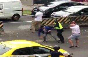 El ladrón sacó un arma de fuego e intentó escaparse. / Foto: Cortesía