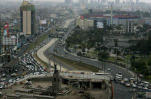 """María Alva indicó que lo que Perú tiene como """"margen de maniobra"""" es la inversión pública."""