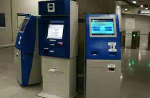 Las recargas se podrán hacer en las 51 máquinas del Metro de Panamá. / Foto: Epasa
