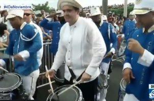 El también ministro de la Presidencia participó en las bandas musicales de los colegios donde estudió. Foto: Redes sociales.