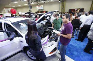 La venta de autos minivans y de lujo mostraron cifras positivas en su comercialización de 4.2 y 1.5% respectivamente.