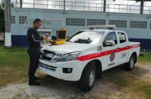 Los bomberos, familiares y amigos, buscan afanosamente a Juan Adonay Fuentes Pérez. Foto/Thays Domínguez