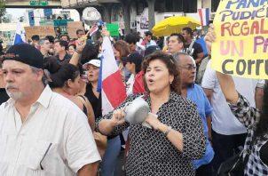 Las protestas contra las reformas constitucionales han sido constantes desde que las aprobó la Asamblea Nacional.