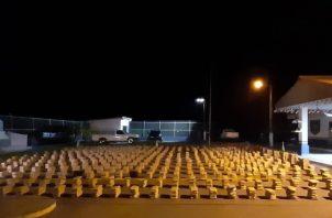 Los paquetes de la supuesta droga fueron fuertemente custodiados por el Senan en horas de la madrugada de este jueves 7 de noviembre.