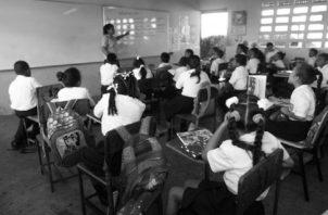 El 80% de los estudiantes que están en tercer grado en las comarcas no saben leer. ARCHIVO