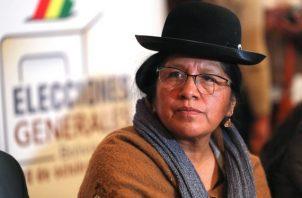 """María Choque Quispe presentó su renuncia """"irrevocable"""", y dijo que lo hace para someterse a """"cualquier investigación"""", luego de un informe de la OEA que señala """"presuntos hechos irregulares"""" en las elecciones del 20 de octubre. FOTO/EFE"""