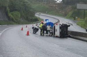 El conductor resultó con lesiones leves. Foto: Diómedes Sánchez S.