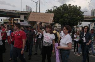 La plaza 5 de Mayo se ha convertido en el bastión de lucha. Víctor Arosemena