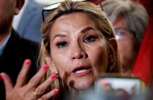 La senadora opositora Janine Añez, se comprometió a garantizar la seguridad de los senadores para la reunión de hoy. FOTO/AP