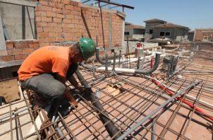 El sector construcción genera más de 185 mil plazas de empleos en el país, según datos de la Contraloría General de la República. Archivo