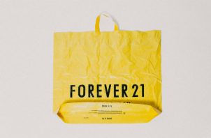 Forever 21 tenía más de 43 mil empleados a nivel mundial. Ahora, cerrará 350 tiendas en 40 países. Foto/ Haruka Sakaguchi para The New York Times.