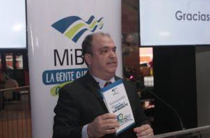Luis Campana es el gerente general de MiBus. Víctor Arosemena