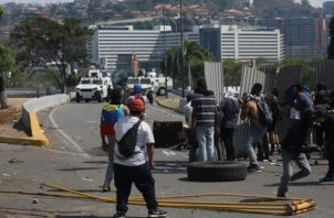 """La protesta de este sábado, según Juan Guaidó, y otras manifestaciones callejeras forman parte de una """"agenda de conflicto"""" que busca sacar del poder al presidente Nicolás Maduro, al que considera ilegítimo."""