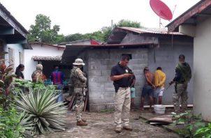 La Policía Nacional capturó el pasado 12 de noviembre a seis sospechosos implicados en el robo y violación de dos extranjeras en Nombre de Dios, Colón.
