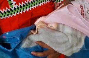 La madre de los bebés es una indígena de 36 años, quién inicialmente creyó que se trataba de trillizos, pero para su sorpresa durante la labor de parto, los médicos se percatan que otro bebé estaba por nacer.