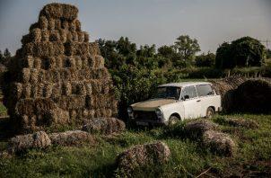 Istvan Teichel, un granjero, dijo que la gente que se queja de los subsidios se expone a intimidaciones. Su granja. Foto/ Akos Stiller para The New York Times.