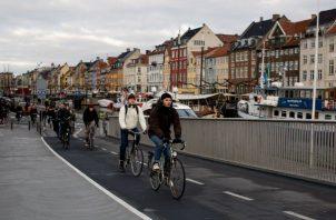 Ciclistas en Copenhague, donde aproximadamente 49 por ciento de todos los traslados se realizan en bicicleta. Foto/ Betina Garcia.
