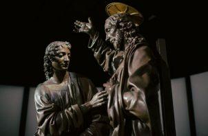 """""""Cristo y Santo Tomás"""", de Andrea del Verrocchio, maestro de Leonardo da Vinci, es parte de una retrospectiva. Foto/ Dmitry Kostyuko para The New York Times."""