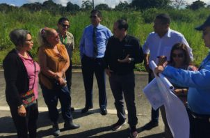 Directivos inspeccionaron los terrenos.