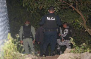 En Alcalde Díaz ciudadanos por poco matan a un maleante.