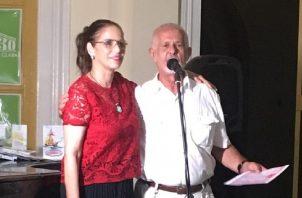 Irene de Delgado (Panamá) y Luis Cabrera (Cuba). Cortesía Aplij