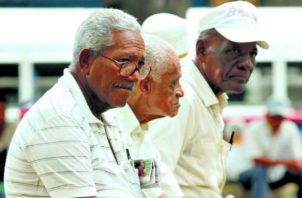 Los jubilados tienen descuentos que van entre el 15% al 30% en diferentes agentes económicos. Foto/Archivo