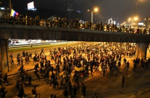 Las protestas contra el presidente Iván Duque ya llevan cinco días. FOTO/AP