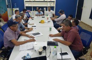 Reunidos en Divisa, provincia de Herrera, los productores pidieron una reunión con carácter de urgencia con el presidente Laurentino Cortizo, y su gabinete agropecuario, para discutir el anteproyecto de ley. Foto Thays Domínguez