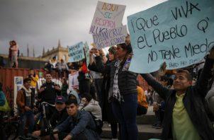 Los colombianos le brindaron en todo momento su apoyo al joven de 18 años Dilan Cruz, quien fue herido durante las protestas del 23 de noviembre. FOTO/EFE