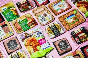 Más compañías, y los productores de carne tradicionales, empezaron a ofrecer carnes basadas en plantas este año. Foto/ Amy Lombard.