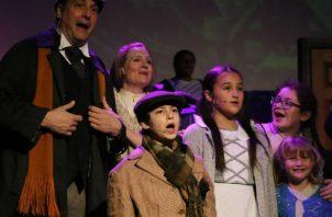 Jonathan Rizzo, un niño de 12 años con distrofia muscular, interpretó a Tiny Tim en Texas el año pasado. Foto/ North Texas Performing Arts.