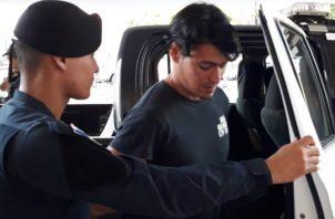El joven twiitero Juan Marcos Morales Esquivel, pidió disculpas dos veces frente a la procuradora Kenia Porcell. Foto/Mayra Madrid