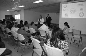 Uno de los seminarios de capacitación dictados a los jueces de paz. Foto: Archivo. Epasa.