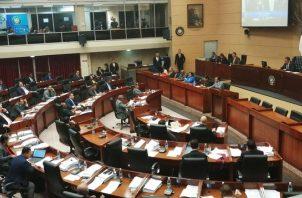 La Asamblea Nacional debe ratificar tres magistrados principales y seis suplentes. Foto: Panamá América.