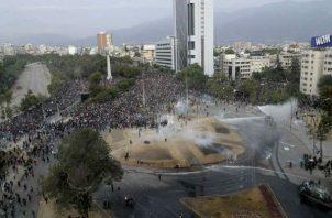 Los saqueos, incendios y destrucción de mobiliario, han afectado el comercio y la industria en Chile.