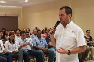 Armando Guerra pidió a Juan Carlos Varela que hablara con Federico Humbert para el refrendo.