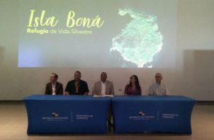 Hoy se firmó la resolución que crea área protegida refugio de vida silvestre de Isla Boná. Foto/ Adiel Bonilla