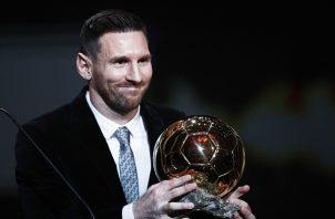 Leo Messi con el Balón de Oro 2019 Foto:AP