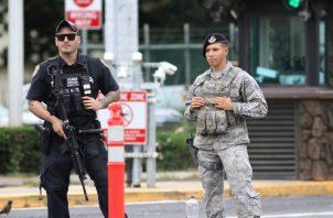 Las autoridades no detallaron por ahora posibles motivos del autor del tiroteo ni si el ataque fue planificado.FOTO/AP