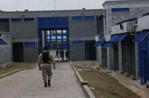 Un pabellón de La Gran Joya se convertirá, en forma provisional, en la nueva sede de la cárcel de mujeres, debido a las condiciones en que se encuentra el centro femenino. Archivo