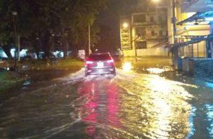 La inundación afectó sobre todo a la Avenida Meléndez. Foto: Diómedes Sánchez S.