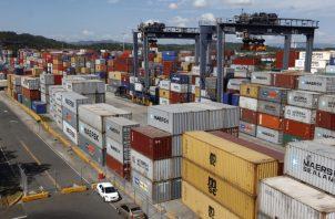 Las navieras actualmente utilizan el servicio de terceros para entregar la mercancía al destino final, sin embargo están cambiando su forma de negocio. Foto/Archivo