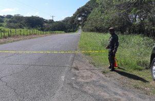 El Ministerio Público a través de la Personería de Montijo, ordenó el levantamiento del cadáver y el traslado hacia la morgue judicial en el distrito de Aguadulce.Foto/ Melquiades Vásquez