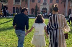 Jennifer López, Marc Anthony y su hija.
