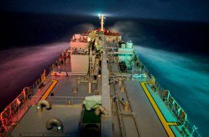 El UBC Cyprus, como muchos barcos, depende de una tripulación filipina. Un viaje reciente de Japón a Filipinas. Foto/ Jes Aznar.